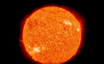 Close image of the Sun - Facts about the sun for kids