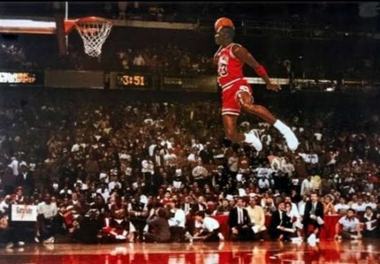 Jordan making for slam dunk