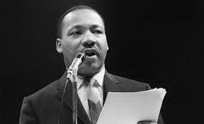 King giving speech - Martin Luther King Facts for kids